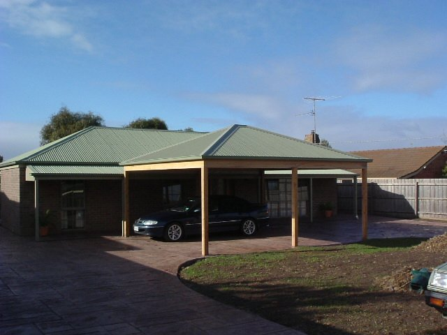 hipped-roof-carport